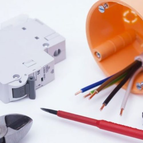 outils et matériels d'electricite