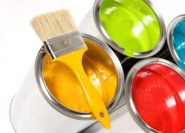 seaux de peinture